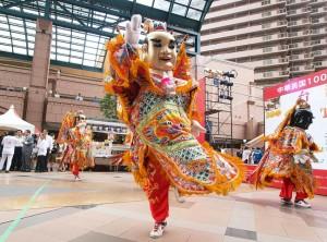 昨年行われた台湾祭りに出演した『電音三太子』