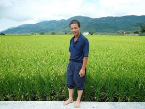 農家:2009十大經典好米得主を受賞した鍾錦海先生「生長はとてもいい」