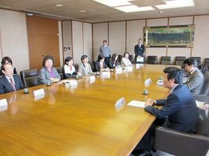 福岡県庁での表敬訪問