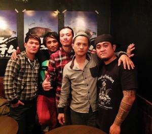 圖騰樂團成員左起:主唱Suming、吉他手阿新、貝斯手阿wei、鼓手阿勝和主唱查馬克