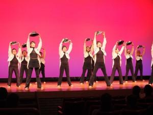 「韻律體操若竹會」包括年過80歲的成員,也賣力跳舞演出