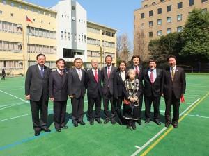 多位僑界領袖皆到場為畢業生祝賀