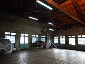 板張りの床が印象的な茶葉の倉庫。貴重な文化遺産だ