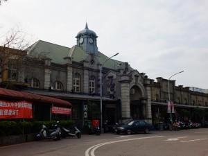 1913年完工的新竹車站,是由日本建築師松崎萬長所設計