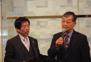 日本中華連合総会毛利友次会長(右)