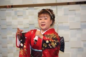 プロ歌手 麻生直花さん