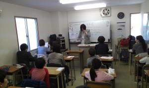 首度由民間團體試辦華語文能力測驗,吸引近70位考生應試