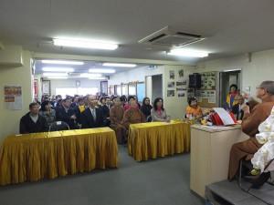 有近百人參加佛學講座