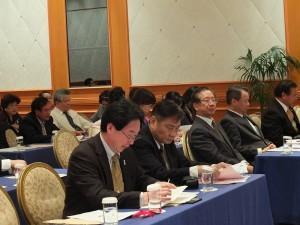 圖左起:亞總監事長陳慶仰、亞總總會長柯昭治、羅坤燦副代表、僑務組趙雲華組長、前任在日台灣商會會議所會長李懋鑌,均列席參加