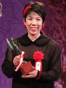 謝珠榮以「客家」ㄧ劇獲頒松尾藝能賞的優秀賞