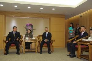 日本神奈川縣議會訪團於4月22日,至新北市政府拜會朱立倫市長,盼加強雙方旅遊合作(照片提供:新北市政府)