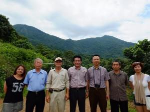 (左二人目から)傑農合作農場詹光栄さん、大樹区果樹産銷第32班鄭盈琅さん、黃宗敏さん、台南担仔麺黄宗民代表取締役。
