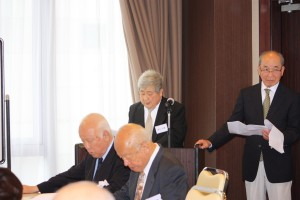 多井昭憲事務局長(左)と田代實範理事(右)