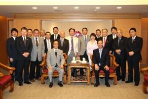 今年3月剛成立的北海道日台親善議員會,於4月16日拜會新北市市長朱立倫,盼加強與台灣地方政府與議會的交流(照片提供:新北市政府)