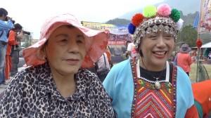 原住民族女性、高菊花(日本名:矢多喜久子)さん(左)と妹さん