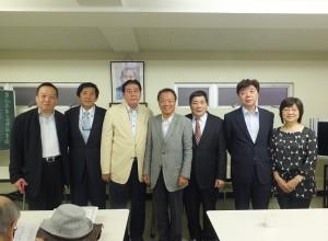 左起為:新任副會長張維正、何元奎、會長李維祥、僑務組趙雲華組長、前任會長陳木川、新任副會長林學明、張春美