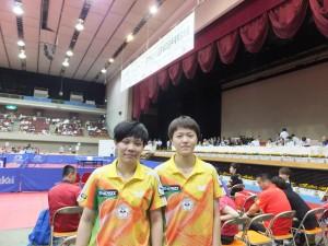 女子雙人組黃怡樺及鄭怡靜在日本桌球公開賽中獲得銀牌