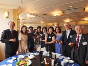 沈斯淳代表伉儷(左1、2)和與會嘉賓合影