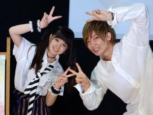 (左から)春菜るなと佐香智久