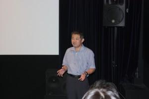 試写会で、金門で上映するために中国語の字幕をつける作業が残っていますと語る林雅行監督