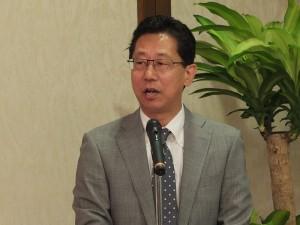 日本交流協會總務部長小松道彥出席記者會