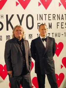 奧斯卡影帝湯姆漢克斯(右)和導演保羅格林葛萊斯(左),為此屆東京影展開幕片《怒海劫》特別到日本參加影展