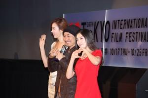 観客賞作品『レッド・ファミリー』のイ・ジュヒョン監督と出演者をステージ