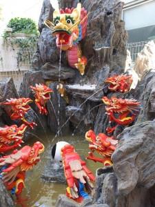 東京媽祖廟腹地內建有噴水池