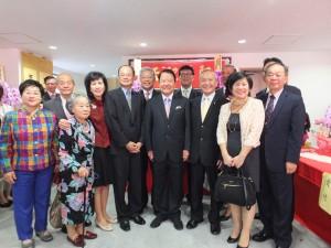 東京媽祖廟1階にて。台北駐日経済文化代表処沈斯淳代表、来賓一同