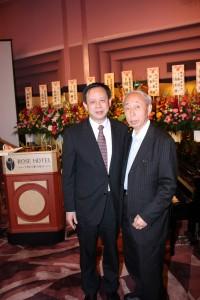 徐瑞湖副代表(左)、南部晴彦さん