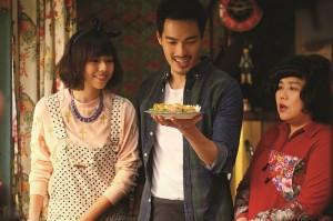 在台灣票房超過3億新台幣的電影《總舖師》,由楊祐寧(中)、夏于喬(左)和林美秀(右)領銜主演