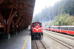 阿里山森林火車(照片提供:從日本聲援台灣申請世界遺產協會)