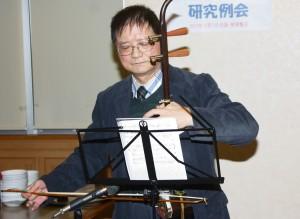 張瑞銘さん(東京中華学校音楽講師)の歌唱