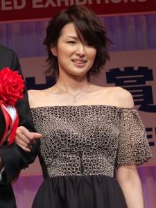 升格當媽媽的吉瀨美智子是30歲世代的獲獎人