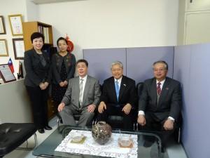 陳委員長與蔡處長、京都華僑總會成員合影