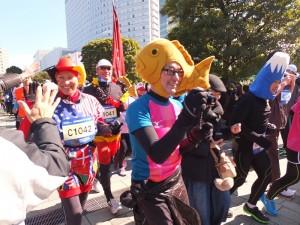這場International Friendship Run,有許多跑者會特別裝扮,趣味十足