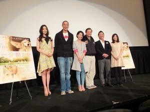 左起為:池端Reina、何潤東、導演陳慧翎、監製李崗、吉田正大,和住岡梨奈
