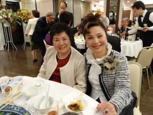 僑務委員賴玉珍(左)、僑務委員謝美香(右)