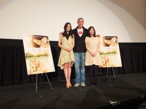 何潤東表示今天剛好是白色情人節,很適合看這部有溫度的電影