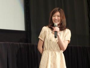 現場演唱電影主題曲的住岡梨奈,一度因為太緊張而NG,後來在現場觀眾的鼓勵下才唱完整首歌