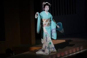 學習日本傳統舞蹈12年之久的張懿文表示,希望將來可以和千藤會的老師山本真由美,到台灣辦千藤會