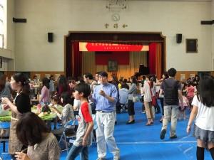 除了東京中華學校的師生之外,也有不少鄰近的日本家庭帶著小朋友前來參加園遊會