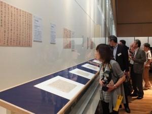 這次有許多書畫文物展出,對於喜愛書法的日本民眾來說相當有吸引力