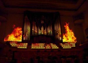 舞台的投影視覺效果是由台灣藝術家所創作