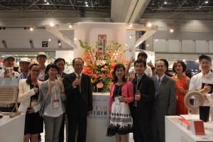 「FRESH TAIWAN MEET JAPAN」パビリオンにて記念撮影