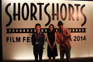 左からJohn Hsu監督、主演女優Han Linさん、司会のDJ   JOHNさん