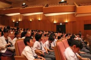 横浜中華学園の生徒ら