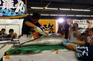 去年在法國巴黎的會場上表演鮪魚解體秀,今年也可望搬到台北演出
