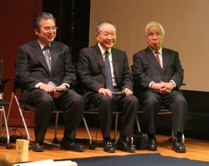 左から、日本を代表する書家としてしられる髙木聖雨氏、樽本樹邨氏、星弘道氏、