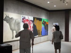 謝里法的《進化論四篇(局部)》在松濤美術館2樓展示廳展出